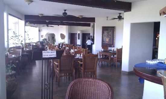 Sugar Cane Club Hotel & Spa: dining