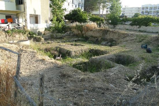 Hersonissos Palace Hotel: behind the hotel