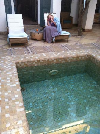 Ryad Dyor: pool