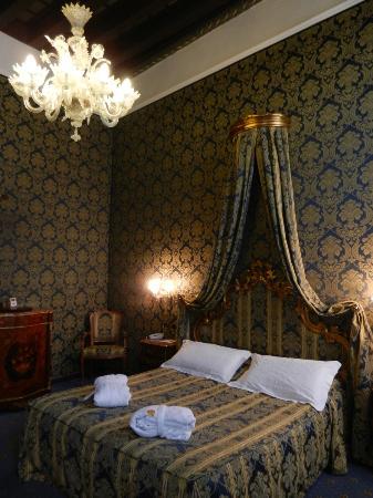 Al Ponte Antico Hotel: Beautiful decor