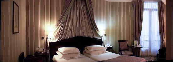 هوتل أستور سان أونوري: paroramica do quarto, bonita decoração