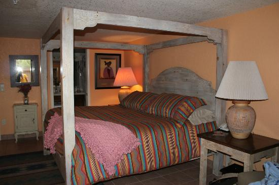 Apple Orchard Inn: Room exactly as described on website