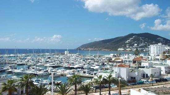 Es Pueto Club Resorts : View from our room of the marina
