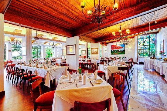 Hotel Bougainvillea: Vitrales Restaurant