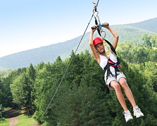 Hunter, Estado de Nueva York: Zipline Activities from Mild to Wild