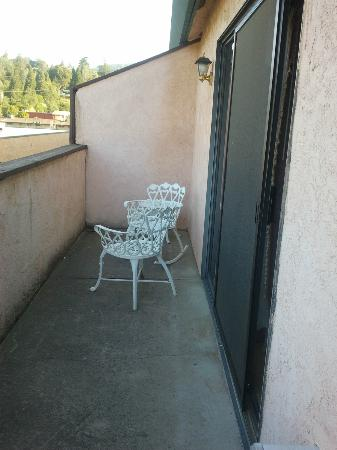 Miners Inn Motel: terrace