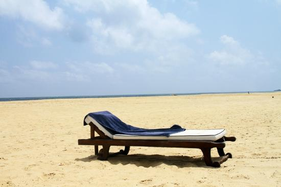 Suite Lanka: Beach area