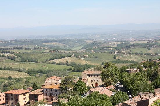 Rocca of Montestaffoli照片