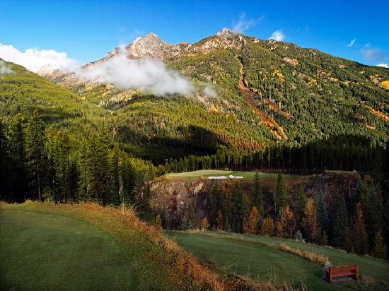 Greywolf Golf Course : Greywolf's famous 6th hole - Cliffhanger