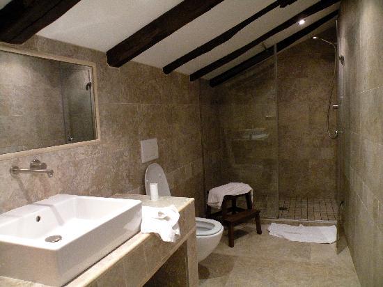 Casa Rural Arotzenea: il bagno