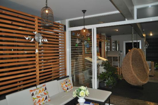 Limburi Hometel: Modern & Cosy