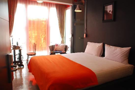 Silom Art Hostel: King Bed Ensuite