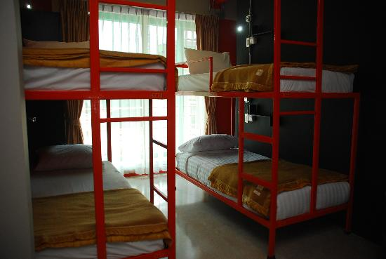 Silom Art Hostel: Four Beds Ensuite