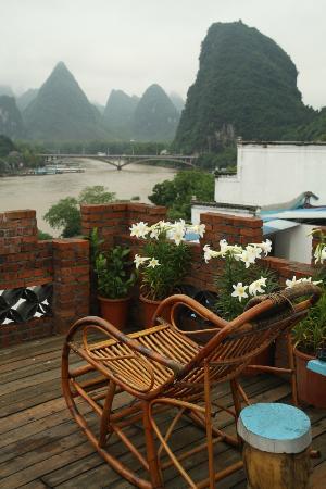 Yangshuo En Attendant Godot's Hostel: Roof top terrace