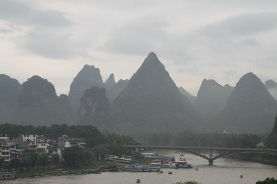 Yangshuo En Attendant Godot's Hostel: View from the roof top terrace