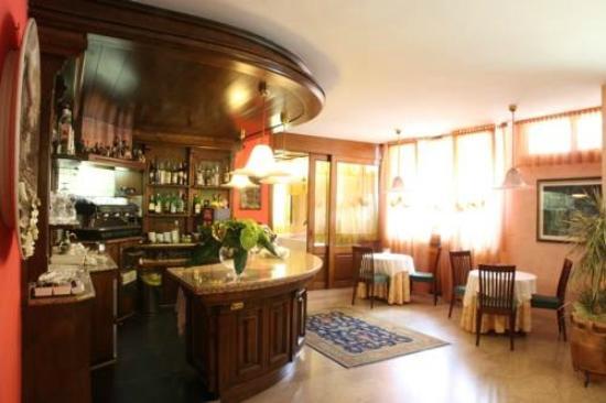 Ristorante Hotel La Rosina : Ristorante La Rosina Bar & Interior