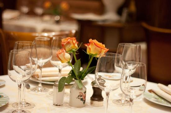 Le Sarladais: Bonita mesa
