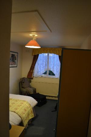 Rosemount Hotel: room