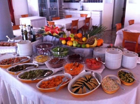 Hotel Souvenir: Buffet ( cena )