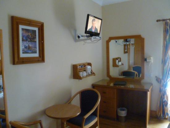 O'Shea's Hotel: Small room