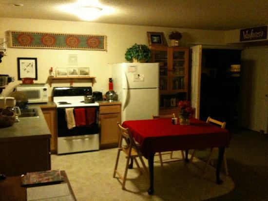 Wayfarer's Rest: Kitchen #1