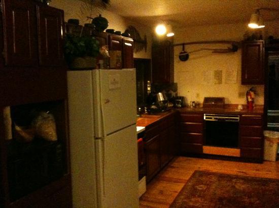 Wayfarer's Rest: Kitchen #2