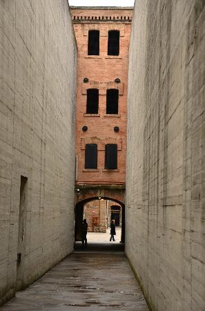 Civico Museo della Risiera di San Sabba: Entranceway