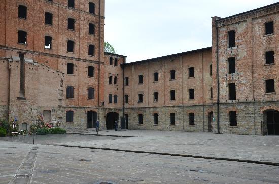 Civico Museo della Risiera di San Sabba: Courtyard