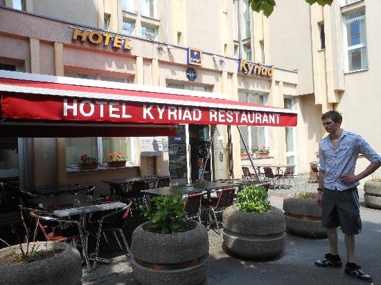Kyriad Metz Centre : Outside the hotel