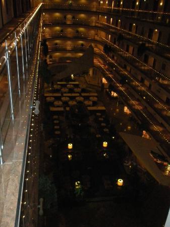 Maritim Airport Hotel Hannover: Innenansicht auf Ground Floor vom 5. Stock
