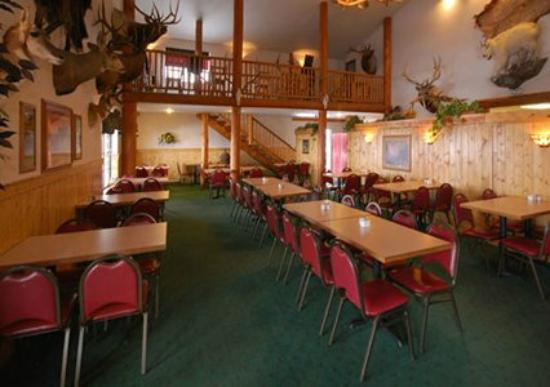 Antler Pub and Grill: Dinning Room