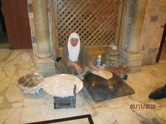 Tawaheen al-Hawa: making bread