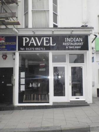Pavel : Main entrance