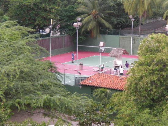 Irotama Resort: Cancha de Tenis