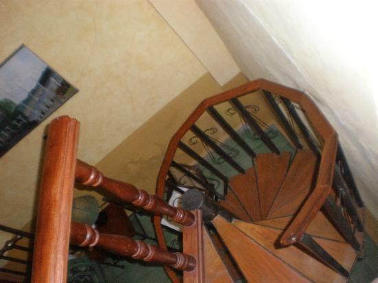 Hotel Casa Capricho: Two level.