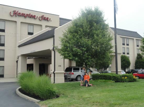 Hampton Inn Cincinnati Eastgate: Hotel Front