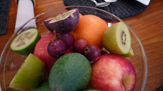 Ika Lodge: Breakfast fruits
