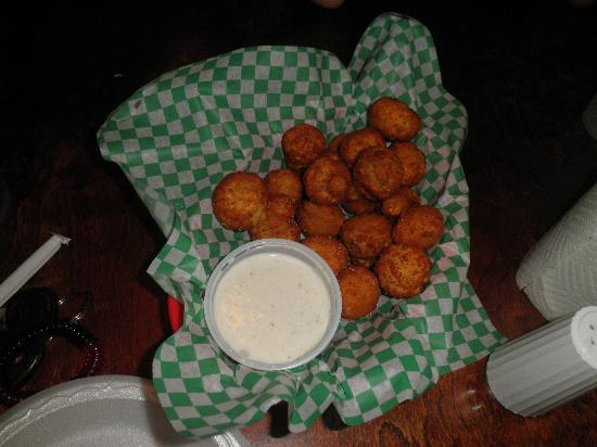 Heroes Sports Bar & Grille: fried mushrooms