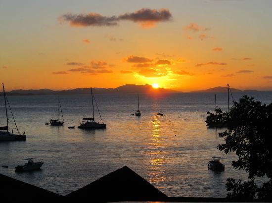 เดอะไลท์เฮ้าส์วิลลาส์: Sunset from Lighthouse Villas