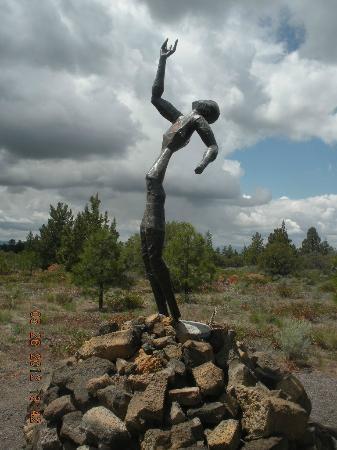 Living Memorial Sculpture Garden : wounded warrior