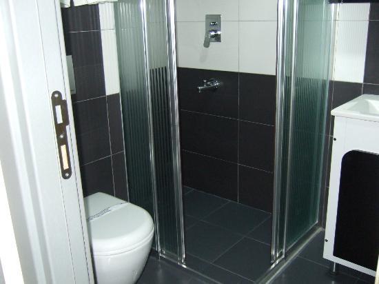 Otel Derya: 清潔な水回り