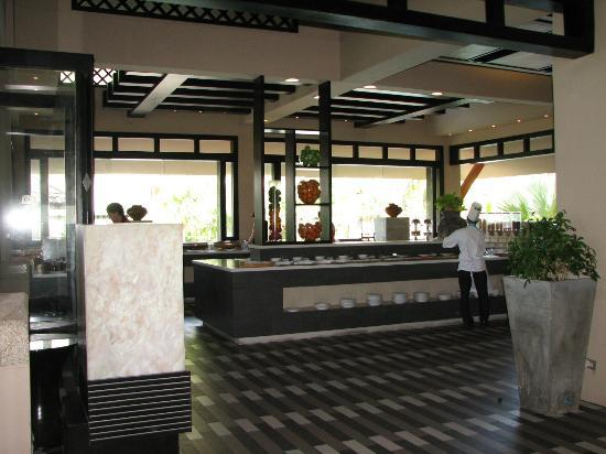Phuket Marriott Resort & Spa, Merlin Beach: dining