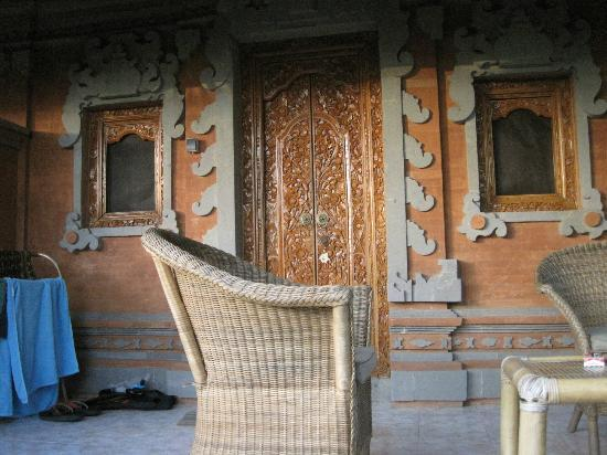 Geria Giri Shanti Bungalows: Room Exterior