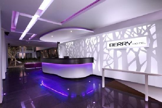 Berry Hotel: BERRY FRONTLINER
