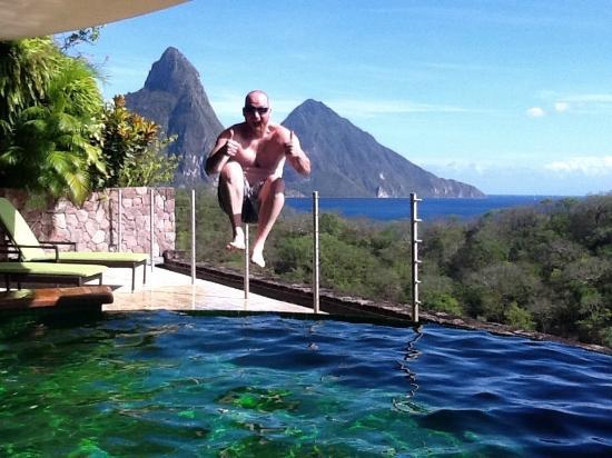 Jade Mountain Resort: Cannon ball, don't tell anyone!