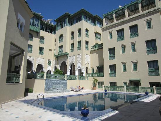 Palais Faraj Suites & Spa: Vista del cortile interno e della piscina.