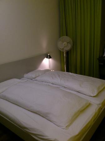 Sorell Hotel Ador : cama