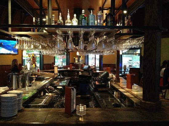 Pier 500: Bar area