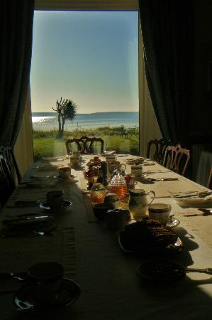 Gaultier lodge: Table set for breakfast