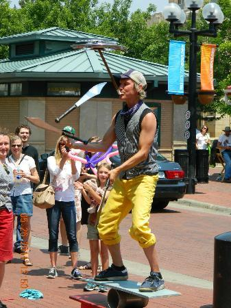 Boulder, Κολοράντο: Juggler - Pearl Street